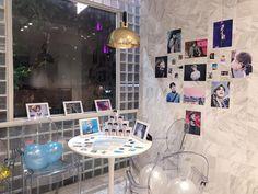 Wall Decor, Room Decor, Fans Cafe, Event Decor, Photo Wall, Kpop, Frame, Ideas, Design