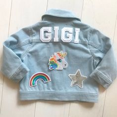 Baby Denim Jacket, Denim Jacket Patches, Patched Jeans, Jean Jacket For Girls, Jean Jacket Outfits, Baby Girl Jeans, Kids Girls, Baby Girls, Kids Outfits