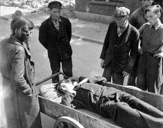 1944-45+-+Amsterdam+-++Slachtoffer+honge