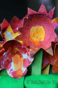 i love this idea! <3 Gorgeous cardboard flowers craft