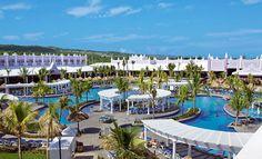Junto a una playa tranquila de aguas turquesas, el Hotel Riu Montego Bay (Todo Incluido 24h) está situado en el noroeste de la isla en una bahía cerca de Montego Bay, Jamaica y ofrece una amplia gama de servicios a sus clientes. Hotel Riu Montego Bay – Hotel en Montego Bay - Hotel en Jamaica - RIU Hotels & Resorts