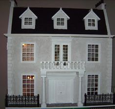 Little Rabbit Miniatures: Manor dollhouse