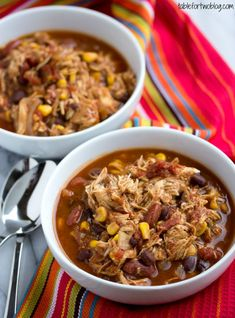 Crockpot Chicken Taco Chili is easy to make and will be your new favorite crockpot recipe!
