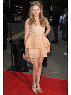 Chloe Moretz mixes sweet and sassy perfectly with this neutral look!