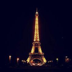 Instagram【takafumi_paris】さんの写真をピンしています。 《夜のエッフェル塔は綺麗ですね~  #eiffletower #latoureiffel #Paris#France#Nikon#s9900#landscape#like#エッフェル塔#パリ#フランス#イルミネーション #夜景#ライトアップ#light#写真撮ってる人と繋がりたい#写真好きな人と繋がりたい#night#nightview#view#instagood #photo#illumination#landscapes#夜》
