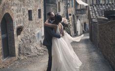 Alessandra & Diego klip ślubny z Toskanii, Produkcja: Super Weddings Weddings, Film, Wedding Dresses, Movie, Bride Dresses, Bridal Gowns, Film Stock, Wedding