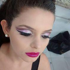 Boa tarde!!!💖 Maquiagem linda que fiz ontem no torneio de maquiagem, realizado pela Embelleze Aracaju. Ainda estou toda boba rsrsrs...😁 É muito bom ver que estou investindo no caminho certo, que todo meu esforço não está sendo em vão, muito bom ter o trabalho valorizado. Agradeço demais a Deus!😍 E aí o que vocês acharam?  #AmoMeuTrabalho #Make #AmoMaquiar #Maquiagem #CutCrease #Makeup #ByMonik #AmoMaquiagem #OlhoPoderoso #BatomCintilante #PigmentosPower #Lips #Lipstick #Batom #Batons…