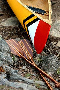 Another gorgeous canoe and paddles.