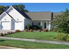 Remax Checkmate - 1093 Carriage Hills Place, Johnson City, TN 37604