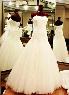 Wedding dress, Simple, With necklace
