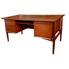 mid century Danish modern desk. wooo. I love that.