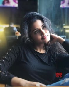 Actress #AnupamaParameswaran Day Dreaming Stills