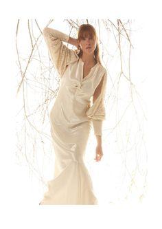 Atelier: Alta Rosa Tessuto: Raso di canapa e seta Foto:Jerry Lee Ingram