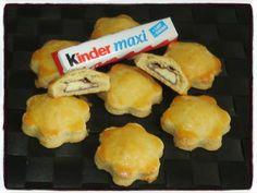 Sablés au kinder Temps de préparation : 20 minutesTemps de cuisson : 20 minutesRecette pour 8 sablés Ingrédients : * 250g de farine* 125g de beurre* 70g de sucre* 1 jaune d'œuf* 5cl de lait* 1 pincée de sel* 2 kinders maxis* 1 jaune d'œuf pour la dorure... Biscuit Cake, Biscuit Cookies, Cupcake Cookies, Desserts With Biscuits, No Cook Desserts, New Recipes, Sweet Recipes, Cake Recipes, Shortbread