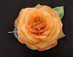 フラメンコを踊る際、美しく結われたモニョを引き立てるフローレスとペイネタ・・・美しいドレスに負けないくらい美しい薔薇で作り上げました。そして、美しさだけではな...|ハンドメイド、手作り、手仕事品の通販・販売・購入ならCreema。
