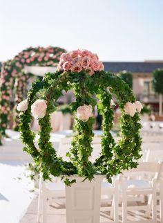Wedding ceremony idea; Photo: The De Jaureguis