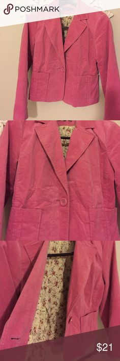 🍁Dalia blazer NEW LISTING Oh so cute, loved for a couple of seasons, pink velvet blazer.  One button, two pockets. Adorable floral pattern inside. dalia Jackets & Coats Blazers