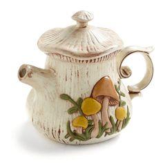 Delightful Vintage Mushroom Teapot circa Those were very good years, indeed. Vintage Love, Retro Vintage, Vintage Teapots, Vintage Ceramic, Mushroom Tea, Mushroom Decor, Arte Sketchbook, Teapots And Cups, Tea Accessories