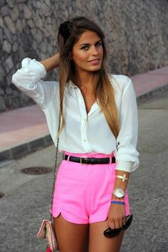 Ways to Wear the Classic White Button Down Shirt: Street Style // http://www.missesdressy.com/blog/spring-style-staple-the-white-button-down-shirt.html