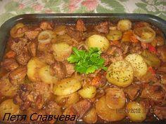 Рецепта за готвене на Свинско с картофи на фурна - II вид - продукти, начин на приготвяне. Как да сготвим Свинско с картофи на фурна - II вид - изпробвана рецепта за вкусни резултати! Bulgarian Recipes, Bulgarian Food, Chicken Salad, Food To Make, Recipies, Dishes, Meat, Cooking, Carne