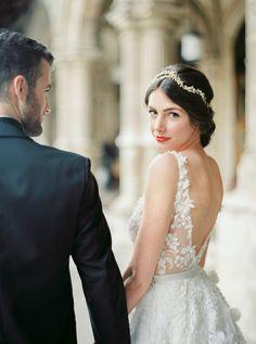 Simplistic beauty: Photography: Melanie Nedelko Photography - www.melanienedelko.com   Read More on SMP: http://www.stylemepretty.com/destination-weddings/2016/06/27//