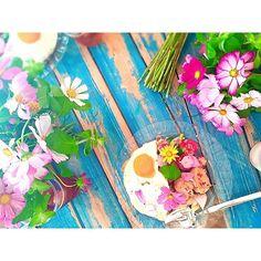 """WEBSTA @ bonne_cuisine_maison - 🌸🙆🌸🙋🌸Workshop """"EAT FLOWER!!!""""produced by Florist Makiko Shiino.Gapao Rice with Edible Flower🌸I love it!!!**〜番外編〜今日は""""EAT FLOWER!!!"""" のワークショップに参加してきました🌸こちらはガパオのランチプレートpic📸*ワークショップでは、florist椎野さん♡@makiko_nerolidolcakeshopのJuliさん♡@juli_sasa にお会いできて感激♡エディブルフラワーの情報もGETできて大満足です✌️*#EAT_FLOWER#Wildcosmos#cosmos#mint#bouquet#eatflower#ミント#コスモス#無農薬#GapaoRice#ガパオ#秋桜"""