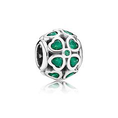 Spice up your green outfit for St. Patrick's Day with this dark green clover charm.  #PANDORA #PANDORAcharm
