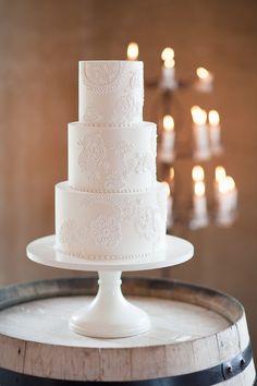 Wedding cake   Wanaka Wedding Shoot   Photography by Alpine Image Co   www.borrowedandblue.kiwi