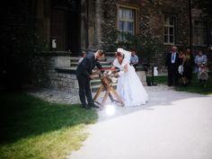 Unvergesslich bleibt mir unsere Hochzeit auf Schloß Neuenburg in Freyburg/U am 25.08.2000. Es war ein schöner sonniger Sommertag, der natürlich mit viel Rotkäppchen begossen wurde.