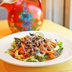 larb nuea gai nguang (Thai Salad with Ground Beef)--SO refreshing!