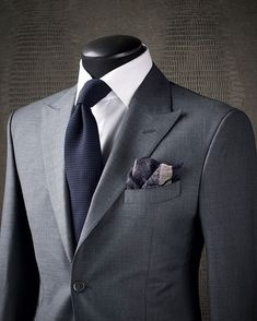 SIMPLE SOPHISTICATION Sometimes the best way to make a statement is to avoid overthinking your look. Sticking to a fantastic combination like this KING & BAY Slate Grey Sharkskin Suit paired with a crisp white shirt and midnight navy garza textured tie ensures you are well put together. Simplicity is the ultimate sophistication #mykingandbay