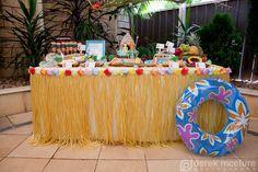 grass skirt around a table.cute for luau theme Hawaiian Luau Party, Tropical Party, Luau Birthday, 1st Birthday Parties, 30th Party, 12th Birthday, Luau Desserts, Hawaian Party, Luau Theme