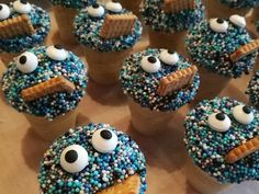 Kleine Kuchen im Waffelbecher - reicht für 24 kleine Kuchen. Über 909 Bewertungen und für beliebt befunden. Mit ► Portionsrechner ► Kochbuch ► Video-Tipps!