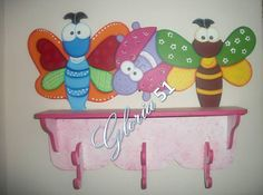 Galeria de imagenes - Manualidades y Labores Arte Country, Pintura Country, Ring Stand, Painting On Wood, Kids Bedroom, Woodworking, Play, Home Decor, Hangers