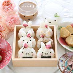 Miffy onigiri by Japanese Food Art, Japanese Snacks, Japanese Dishes, Japanese Sweets, Japanese Lunch, Cute Japanese Stuff, Kawaii Cooking, Kawaii Dessert, Japanese Aesthetic