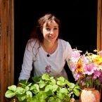 A la Combe, sur les hauteurs de Bas-en-Basset, est située l'Auberge des Pichs, uneancienne ferme rénovée et décorée avec goût. En pleine campagne, vous passerez un moment paisible, accueillis par des gens charmants. Moment, Sprouts, Rural Area, Stockings, Recipes