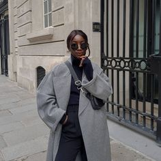 Aïda | french Minimalist style (@basicstouch) • Photos et vidéos Instagram Minimalist Style, Minimalist Fashion, Your Photos, Good Things, French, Photo And Video, Sunglasses, Coat, Tired
