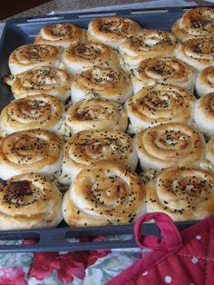 A Seasonal Cook in Turkey: Gül Böreği - 'Rose' Borek: Cheese & Parsley-filled Pastries