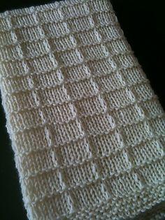 Waffle blanket - cute stitch pattern..
