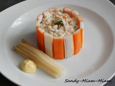 A simple entry, quick to make and which will have its small effect ^^ Everyone has already eaten macedonia and sticks of surimi, but everything is in the presentation ! For 4 people: 1 thirty surimi sticks (the little ones ^^) – 1 … Salad Recipes Healthy Lunch, Whole30 Fish Recipes, Easy Fish Recipes, Chicken Salad Recipes, Easy Healthy Recipes, Paleo Recipes, Asian Recipes, Healthy Dinner Recipes, Healthy Dinners