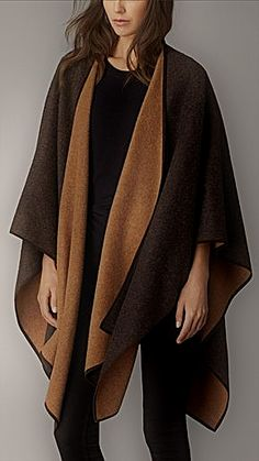 Shop ponchos, wraps & capes for women from Burberry. The collection includes block colour wool wraps, cashmere blankets and runway inspired capes. Women's Ponchos & Wraps, Looks Style, My Style, Ladies Poncho, Cashmere Wrap, Wool Poncho, Casual Fall Outfits, Couture Dresses, Womens Scarves