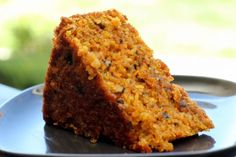 Tropical carrot cake ~ perfect spring-time cake packed with carrots, pineapple, coconut, raisins and walnuts! Baked Carrots, Pineapple Cake, Pineapple Coconut, Food Cakes, Everyday Food, Food Items, Banana Bread, Cake Recipes, Bakery