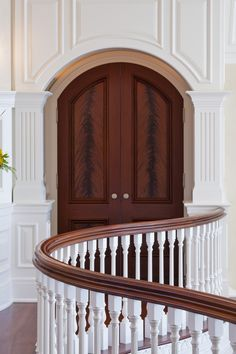 Benefits that you could derive by using the interior wood doors for your home or office. Mediterranean Doors, Southern Mansions, Iron Doors, French Interior, Town And Country, Interior And Exterior, Interior Doors, Interior Design, Elegant Homes