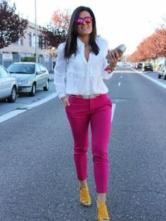 grunge look inspiratiom / boots + rips + top + black denim jacket Pink Pants Outfit, Hot Pink Pants, Pink Jeans, Yellow Shoes Outfit, Look Fashion, Trendy Fashion, Fashion Outfits, Womens Fashion, Grunge Look
