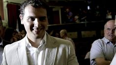 Rivera entra en la batalla por La Moncloa http://w.abc.es/x56oq1