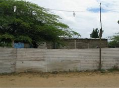 A typical fence in La Lechuga, one of the communities Andean Aid has provided with a Help and Hope Center to provide educational assistance to children, as well as an Early Reading and Writing Program.
