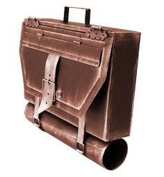 Dieser Briefkasten aus Metall im Ausseheneiner alten Ledertasche ist die perfekte Geschenkidee für alle stilbewussten Freunde und Verwandten. Oder auch wenn Ihr auf der Suche nach ei...