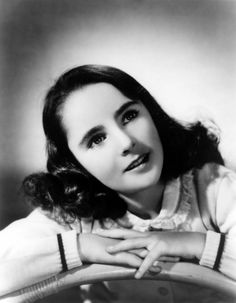 Pictures of Elizabeth Taylor when she was young ~ vintage everyday