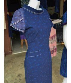 ชุดเดรส คอถ่วง-แขนบัว-ซิปหลัง เข้ารูป ม่อฮ่อมแพร่.com ร้านเสื้อผ้า ขายส่งเสื้อหม้อฮ่อม ม่อฮ่อม ผ้าพื้นเมือง เสื้อผ้า จากจังหวัดแพร่ ราคาถูก  ผลิตและจำหน่าย ม่อฮ่อม หม้อห้อม หม้อฮ่อม หม้อห้อมแพร่ ม่อห้อม หม้อฮ่อม หม้อฮ่อมแพร่ หม้อห้อม รับผลิตเสื้อหม้อฮ่อมสำหรับนักเรียน ชุดสำหรับหน่วยงานต่างๆ(จำนวนมาก) ม่อฮ่อมคุณภาพ ม่อฮ่อมแพร่ กางเกงเล ผลิตจากผ้าฝ้าย ผ้าโทเร สินค้าคุณภาพดี สินค้าดีจากเมืองแพร่