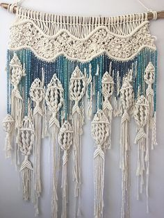 Macrame Fish Wall Hanging / Customizable Macrame Tapestry / Fish / Ocean /Fishing /Blue Ombre/Mobile /Beach House / Nursery / Boho/Over Bed Makramee-Fisch-Wandbehang / kundengerechte Makramee-Tapisserie / Macrame Art, Macrame Projects, Macrame Knots, Macrame Modern, Macrame Wall Hangings, Art Macramé, Fish Mobile, Diy And Crafts, Arts And Crafts